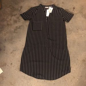 Black and white short sleeve dress